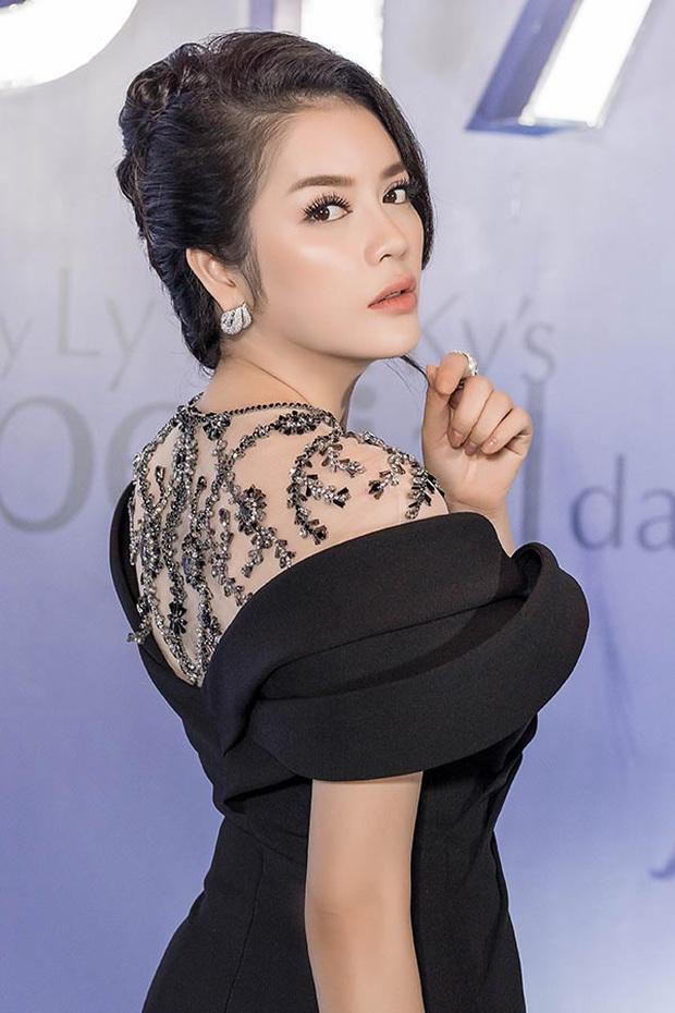 Sao Việt mở tiệc sinh nhật xa hoa nhất Vbiz: Hà Hồ - Lý Nhã Kỳ như tổ chức lễ trao giải, Ngọc Trinh khiến dân tình xịt máu mũi - Ảnh 9.