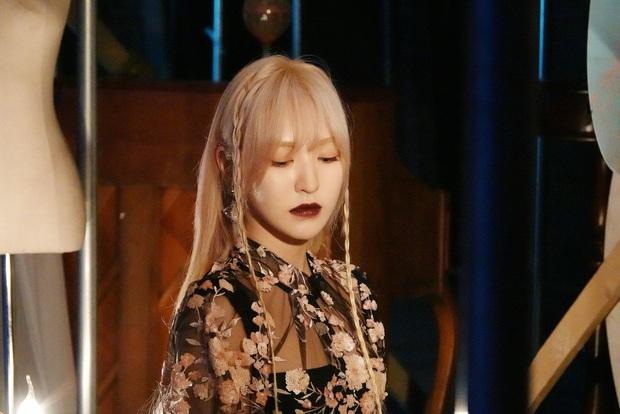 Wendy (Red Velvet) lần đầu lên bìa tạp chí sau thời gian vắng bóng, mặt quá khác lạ vì tai nạn kinh hoàng ở SBS Gayo Daejun? - Ảnh 5.
