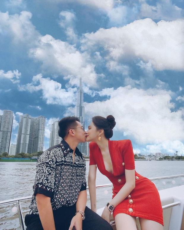 Vừa tặng xe hơi 8 tỷ, Matt Liu tiếp tục công khai ảnh hôn môi Hương Giang: Gắt quá rồi anh ơi! - Ảnh 1.