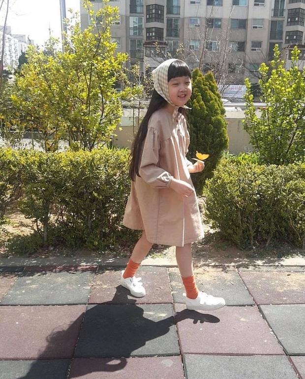 Jin Joo (Reply 1988) gây sốt với hình ảnh phổng phao tuổi lên 9: Thực thần nhí giờ tóc dài thướt tha điệu đà lắm rồi! - Ảnh 6.