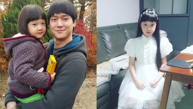 Jin Joo (Reply 1988) gây sốt với hình ảnh phổng phao tuổi lên 9: Thực thần nhí giờ tóc dài thướt tha điệu đà lắm rồi! - Ảnh 5.