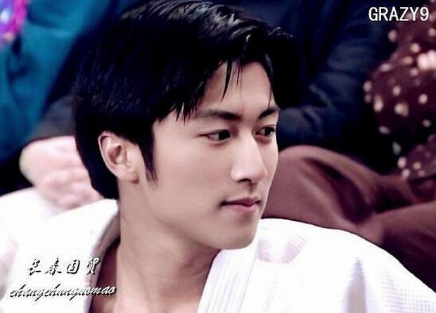 Xem ảnh Tạ Đình Phong năm 18 tuổi mới hiểu vì sao Trương Bá Chi say đắm, Vương Phi mê mệt suốt 20 năm không quên - Ảnh 6.
