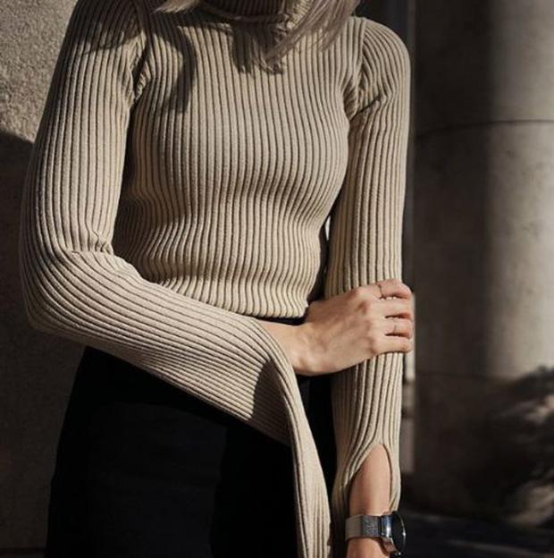 Áo len sọc tăm: Món đồ hoàn hảo của mùa Thu, đã sang xịn lại còn Hàn Quốc hết ý - Ảnh 1.
