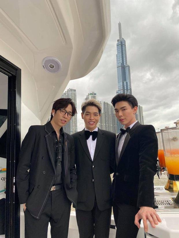 Hương Giang nói là làm: Mở tiệc du thuyền đãi Hoa Dâm Bụt và hội bạn, Matt Liu và bạn trai đại gia Hoà Minzy chiếm spotlight - Ảnh 6.