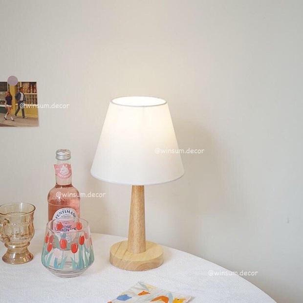 Hội con gái cứ tậu đèn ngủ để bàn là có góc giường xinh xẻo đẹp xịn ngay - Ảnh 7.