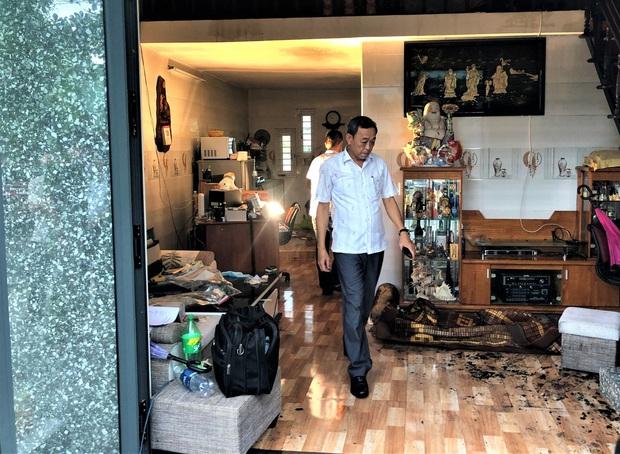 Đà Nẵng: Cháy nhà trong bão, 2 cha con bị thương nặng - Ảnh 5.