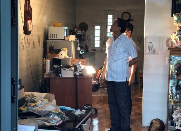 Đà Nẵng: Cháy nhà trong bão, 2 cha con bị thương nặng - Ảnh 4.