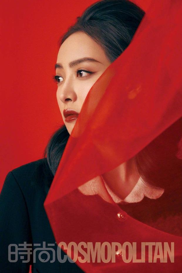 Jennie, Tống Thiến đều sang như bà hoàng khi đụng váy nhưng đến Kim Go Eun sao lại có biểu cảm khó phân định thế này - Ảnh 4.
