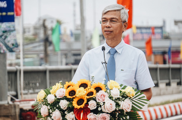 """Cận cảnh nút giao 3 tầng """"cực xịn"""" ở Sài Gòn trị giá hơn 500 tỷ đồng vừa được hoàn thành, có cả cầu đi bộ - Ảnh 4."""