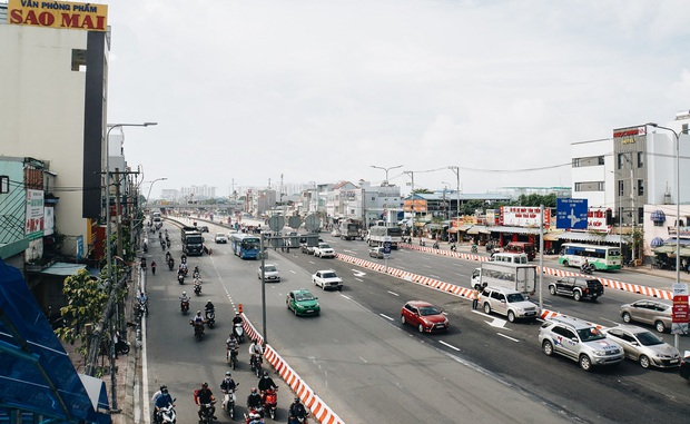 """Cận cảnh nút giao 3 tầng """"cực xịn"""" ở Sài Gòn trị giá hơn 500 tỷ đồng vừa được hoàn thành, có cả cầu đi bộ  - Ảnh 6."""