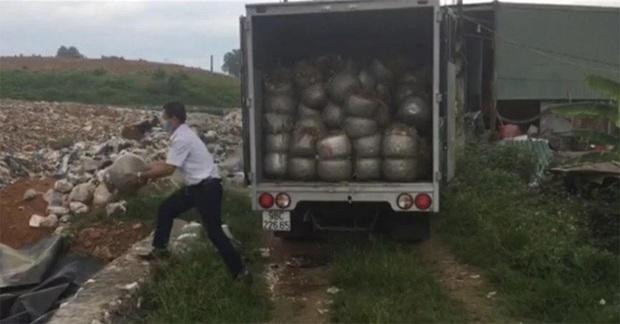Dùng chất cấm sản xuất hơn 1,1 tấn giá đỗ - Ảnh 2.