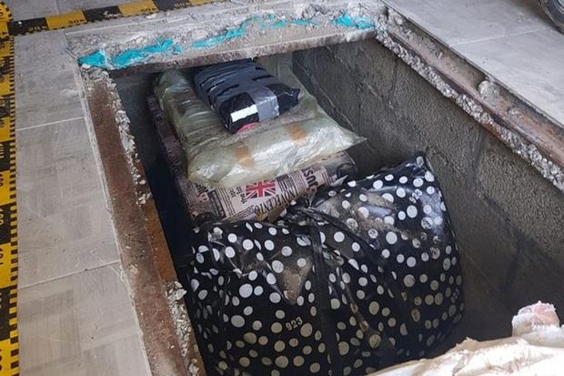 Romania phát hiện hàng trăm cuốn sách quý hiếm bị đánh cắp với giá trị 3,2 triệu USD  - Ảnh 1.