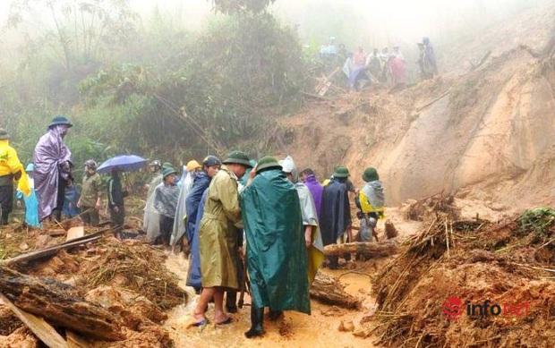 Mưa lớn, sạt lở đất, bản làng biên giới Nghệ An bị cô lập, 1 người tử vong - Ảnh 2.