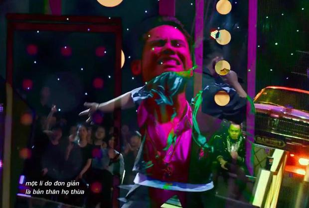 Trấn Thành tiếp tục rơi nước mắt lần thứ 3 trên sân khấu Rap Việt - Ảnh 1.