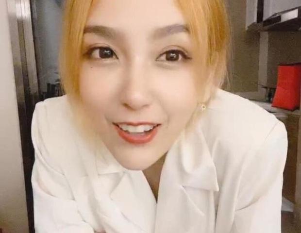 Để mặt mộc livestream vẫn xinh đẹp hút hồn, nữ streamer được fan donate cả trăm triệu - Ảnh 3.