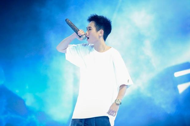 King Of Rap: Pháo mặc áo dài bắn Rap liên thanh trên nền hit quốc dân Việt Nam Ơi - Ảnh 8.
