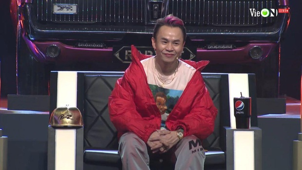 Liên tục hóa cô bé mùa đông đen từ đầu tới chân, Suboi cuối cùng cũng đã chịu gợi cảm hơn ở Rap Việt! - Ảnh 7.