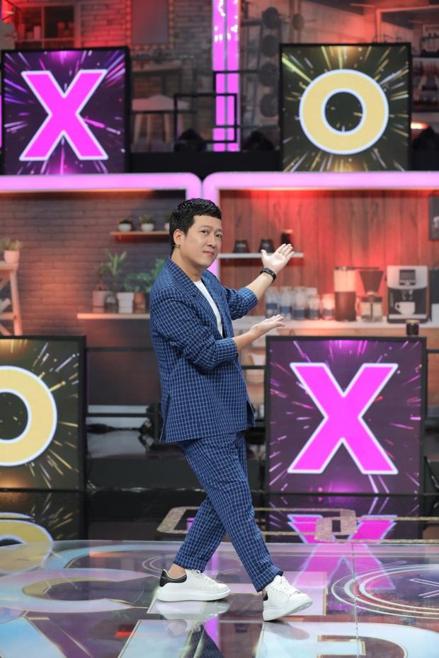 Cả Vbiz hội ngộ trong một khung hình: Trường Giang - Hari Won nhường spotlight cho màn ké ảnh giả trân của Huỳnh Lập - Ảnh 3.