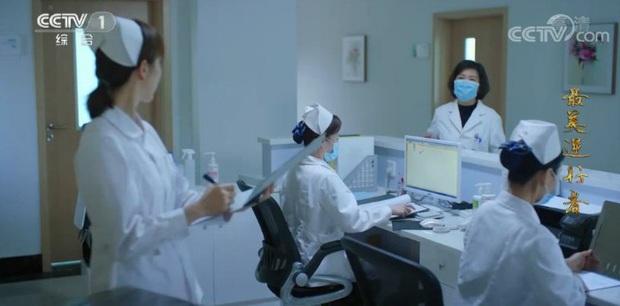Phim chống dịch của Tiêu Chiến nhận mưa gạch đá: Phụ nữ chỉ là đồ đính kèm đàn ông, bác sĩ thiếu chuyên môn trầm trọng? - Ảnh 5.