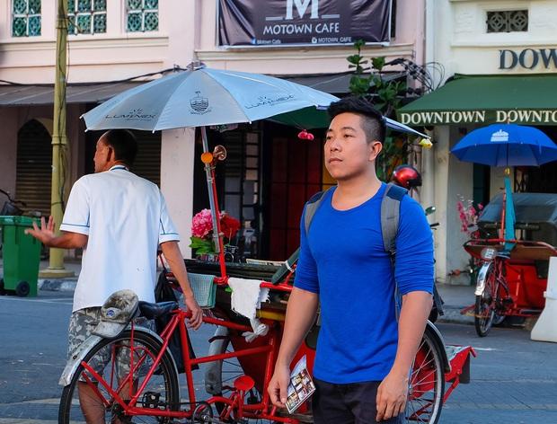 """YouTuber bị gắn mác """"giàu ngầm"""" của Việt Nam: Từng đến 30 quốc gia, mỗi năm đổ hết tiền bạc đi hơn trăm chuyến bay xa xỉ để review - Ảnh 7."""