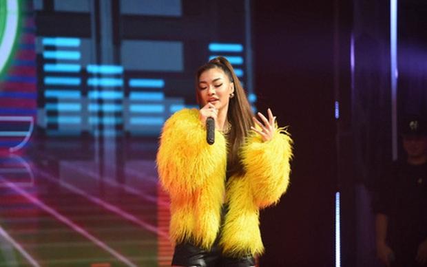 Á hậu Kiều Loan nhận về phản ứng trái ngược khi khoe tài Rap trên 2 show truyền hình - Ảnh 5.