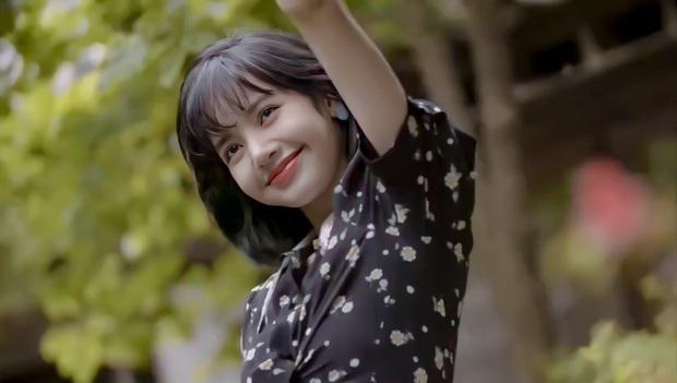 Sau bộ ảnh này, hãy gọi Lisa (BLACKPINK) là nữ thần! - Ảnh 16.