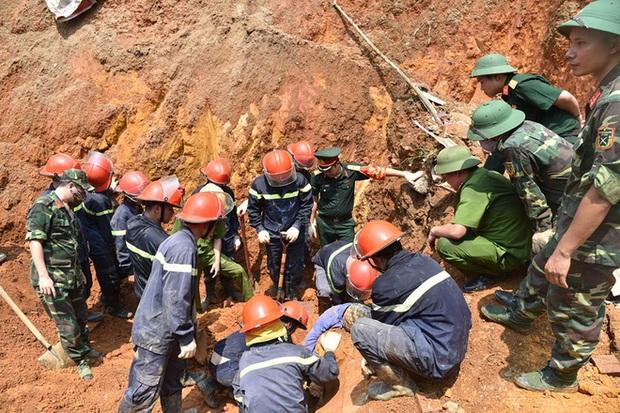 Gia cảnh cùng cực, khó khăn của các nạn nhân vụ sập công trình ở Phú Thọ  - Ảnh 2.
