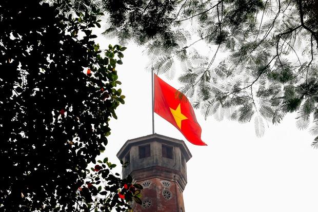 Ảnh: Phố phường Hà Nội rợp cờ hoa chào mừng Quốc khánh 2/9 - Ảnh 6.