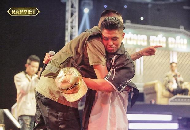 Hóa ra Suboi là người gợi ý cho Wowy tung nón vàng cứu học trò Karik ở Rap Việt! - Ảnh 2.
