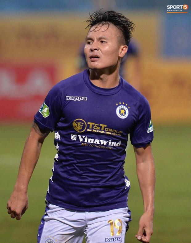 Quang Hải ăn mừng đầy cảm xúc khi ghi bàn giúp Hà Nội FC vô địch Cúp Quốc gia 2020 - Ảnh 3.