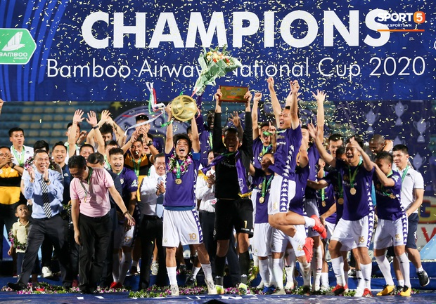 Quang Hải giành micro, hoá cơ trưởng hét tới khàn giọng sau khi giúp Hà Nội FC lập kỷ lục - Ảnh 8.
