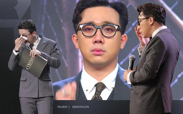 Trấn Thành có đến 3 lần rơi nước mắt tại Rap Việt đều vì xúc động trước màn trình diễn của thí sinh, khẳng định không diễn trên sân khấu - Ảnh 1.
