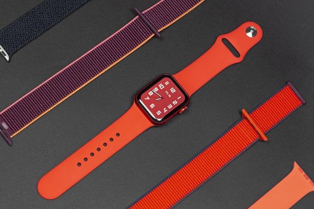 Mở hộp Apple Watch Series 6 màu đỏ và những ấn tượng ban đầu - Ảnh 3.