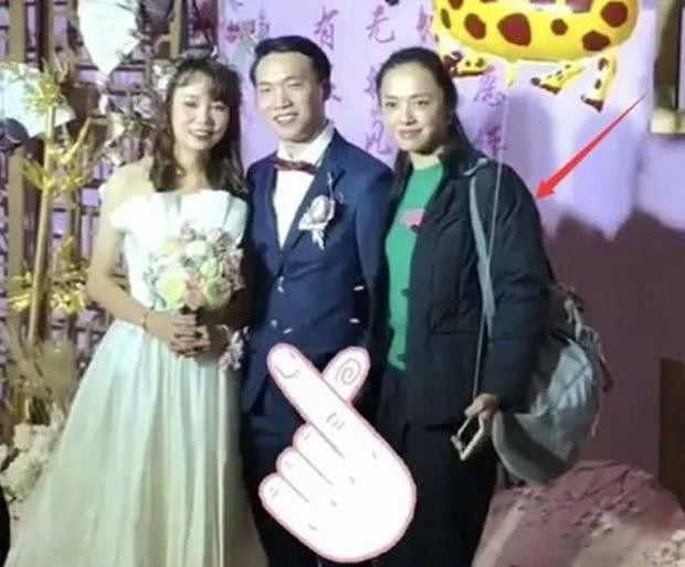 Dàn sao Hoa ngữ khi được mời tới dự tiệc cưới: Người để mặt mộc mặc đồ siêu giản dị, kẻ bị chỉ trích vì chiếm sóng của nhân vật chính - Ảnh 5.