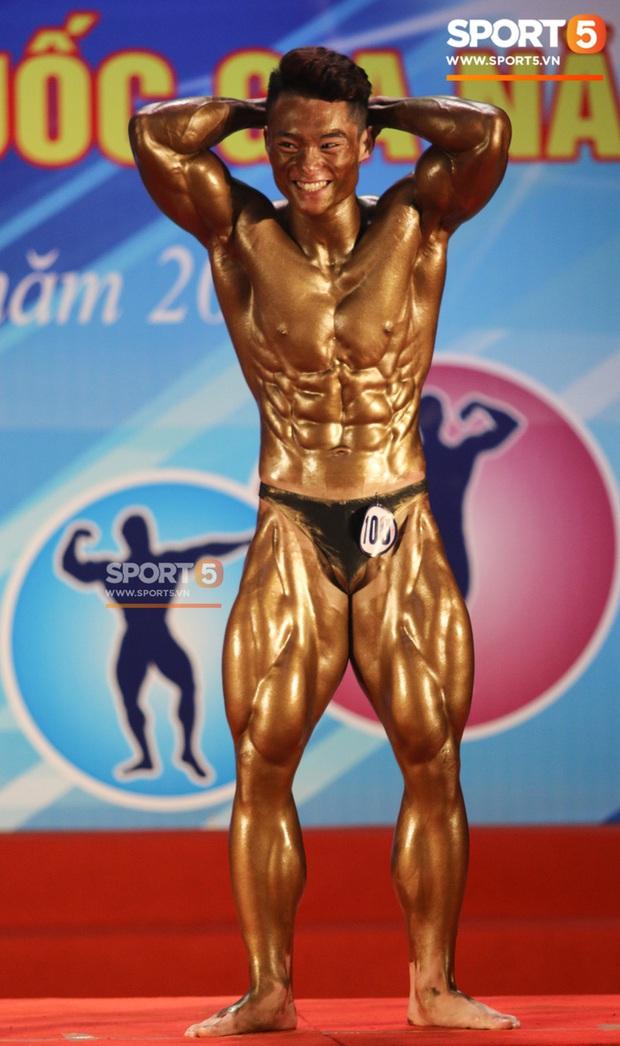 Mặt học sinh, thân hình chiến binh, hot boy sinh năm 2000 Nguyễn Văn Quốc giành cả 2 HCV hạng 80 cân tại giải Cúp CLB thể hình toàn quốc - Ảnh 5.