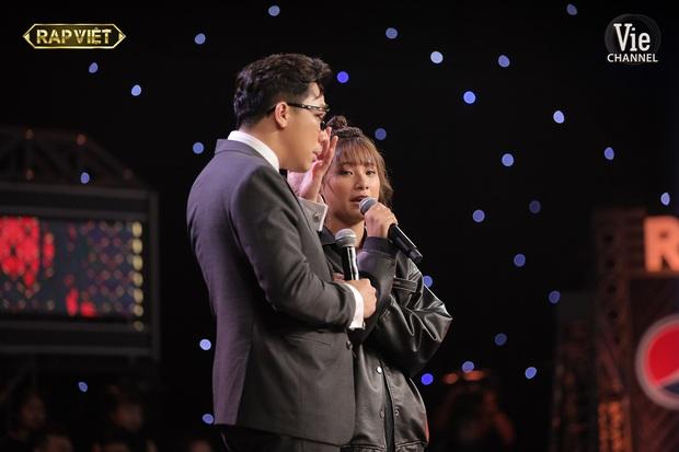 Trấn Thành có đến 3 lần rơi nước mắt tại Rap Việt đều vì xúc động trước màn trình diễn của thí sinh, khẳng định không diễn trên sân khấu - Ảnh 8.