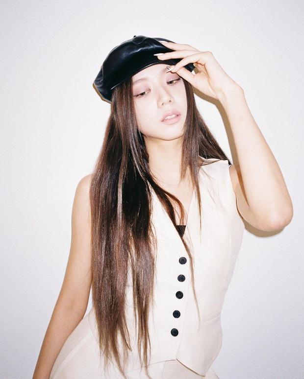"""Jennie, Jisoo diện áo gile đẹp """"một chín một mười"""", chị em bắt chước theo thể nào style cũng lên điểm - Ảnh 5."""
