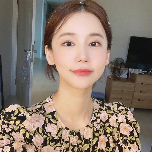 Netizen bất ngờ tìm ra bức ảnh cuối cùng Oh In Hye đăng rồi vội xoá, nghi vấn người đàn ông bí ẩn là nguyên nhân của vụ tự tử - Ảnh 2.