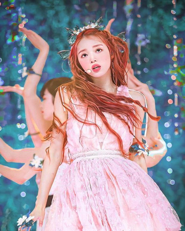 Nhan sắc mỹ nhân vừa vượt mặt BLACKPINK và nữ thần Red Velvet: Trên sân khấu gây sốt vì đẹp đến mức tưởng tiên tử đời thực - Ảnh 3.