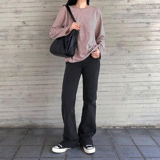 Jeans ống loe: Chiếc quần tôn dáng bậc nhất thu này nhưng liệu bạn đã biết cách diện chuẩn? - Ảnh 4.