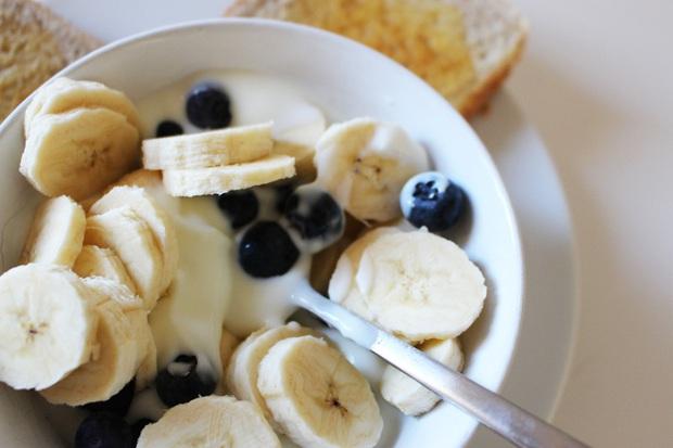 Loại quả màu vàng thường được Chi Pu ăn vặt vào mỗi chiều có chứa công dụng kiểm soát calo cực hiệu quả, nhưng bạn cần nhớ 5 lưu ý khi ăn - Ảnh 6.