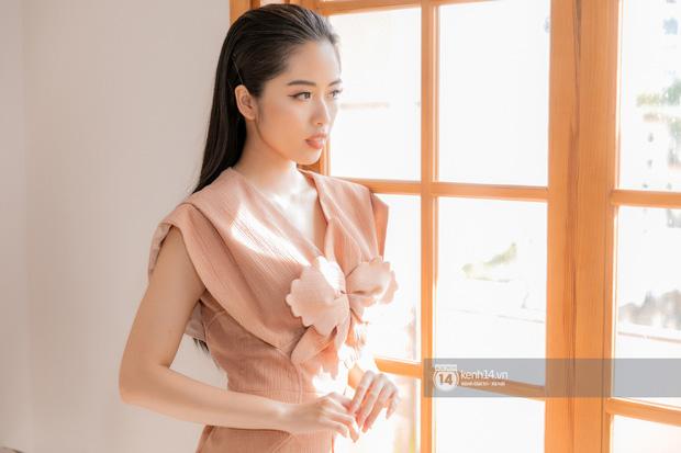 """Lan Nhi - BTV từng mang phim Việt đến Cannes dự thi Hoa Hậu Việt Nam 2020: """"Tôi không đi thi để đổi đời! - Ảnh 12."""
