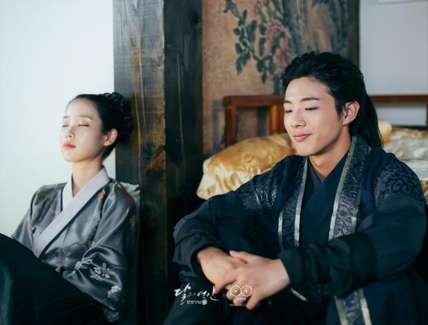 """5 nam thần trẻ xứ Hàn """"xịt dần đều"""" trên màn ảnh: Nam Joo Hyuk diễn xuất """"bình hoa"""", Yoo Seung Ho lựa phim quá chán - Ảnh 13."""
