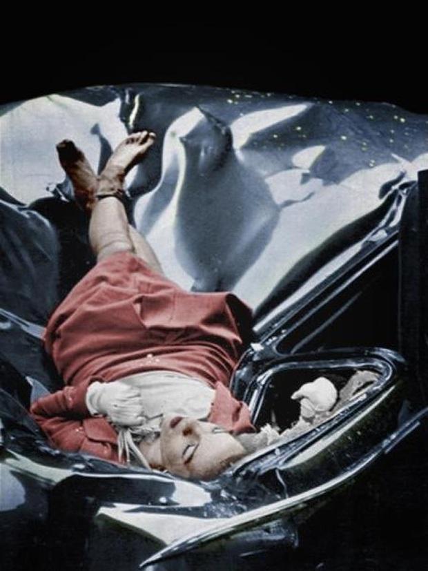 Những bức ảnh trông giản đơn nhưng phản ánh tội ác của xã hội vừa gây bàng hoàng xót xa vừa phẫn nộ tột cùng - Ảnh 16.
