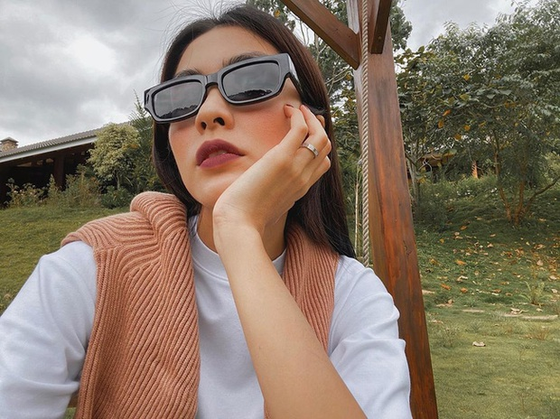 Công thức chung khi chụp ảnh selfie của Hà Tăng, chị em học theo thì bức nào cũng đẹp  - Ảnh 4.