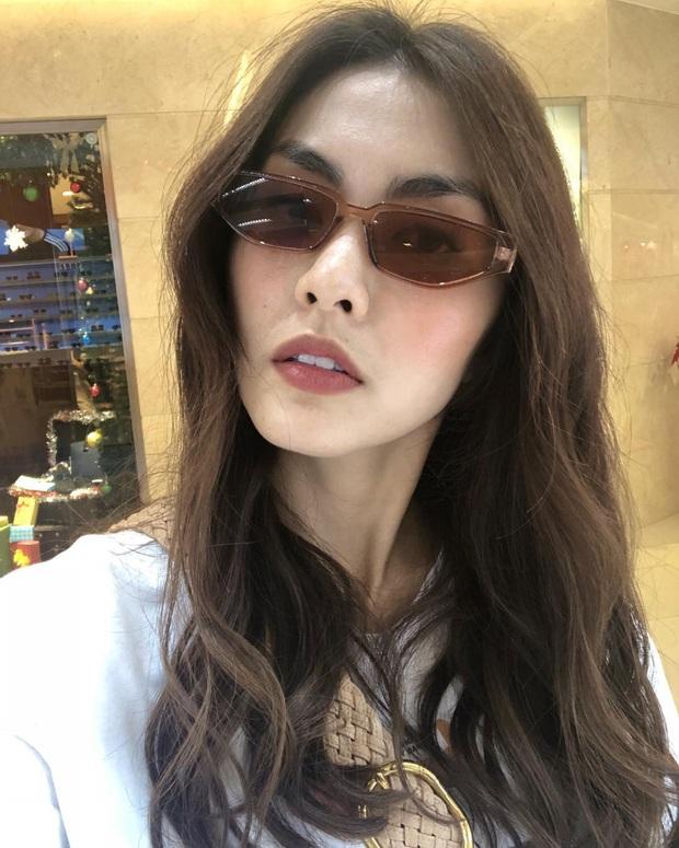 Công thức chung khi chụp ảnh selfie của Hà Tăng, chị em học theo thì bức nào cũng đẹp  - Ảnh 9.