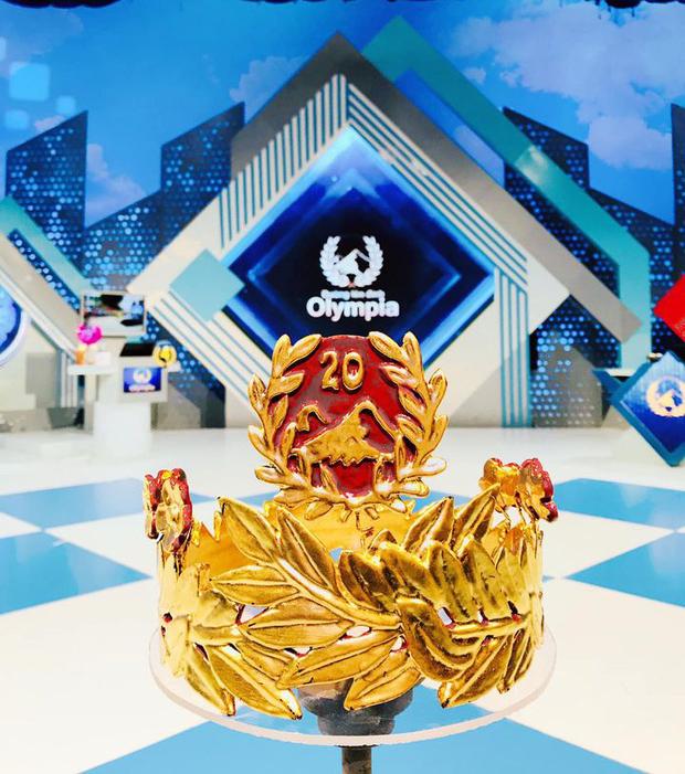 Gặp người chế tác vòng nguyệt quế thếp vàng bốn số 9 dành riêng cho Quán quân Olympia 2020: Giá trị chiếc vòng nhỏ thôi nhưng là cả tấm lòng của tôi và gia đình - Ảnh 11.