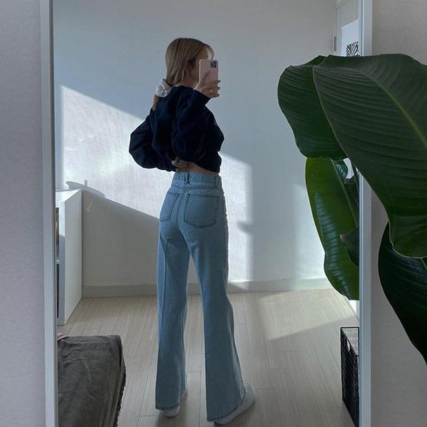 Jeans ống loe: Chiếc quần tôn dáng bậc nhất thu này nhưng liệu bạn đã biết cách diện chuẩn? - Ảnh 8.