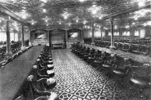 Bữa ăn cuối cùng trên chuyến tàu Titanic: Có thịt cừu sốt bạc hà, cá hồi sốt mousseline và vô số kể các món ngon khác - Ảnh 4.