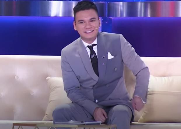 Hương Giang kể lại trên sóng truyền hình: Khán giả ở dưới chỉ muốn cầm đá ném tôi, lúc đó tôi rất ghét Khắc Việt - Ảnh 3.